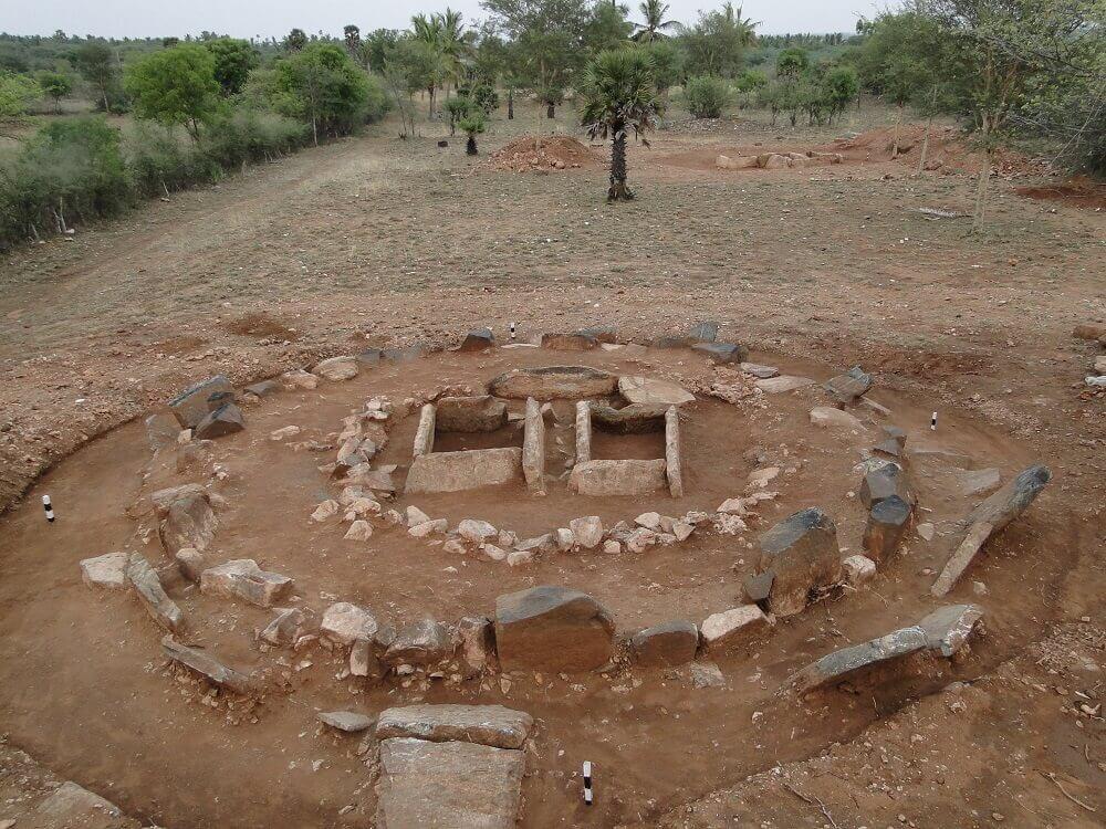 Megalithic site of Kodumanal, southern India. © Osmund Bopearachchi.