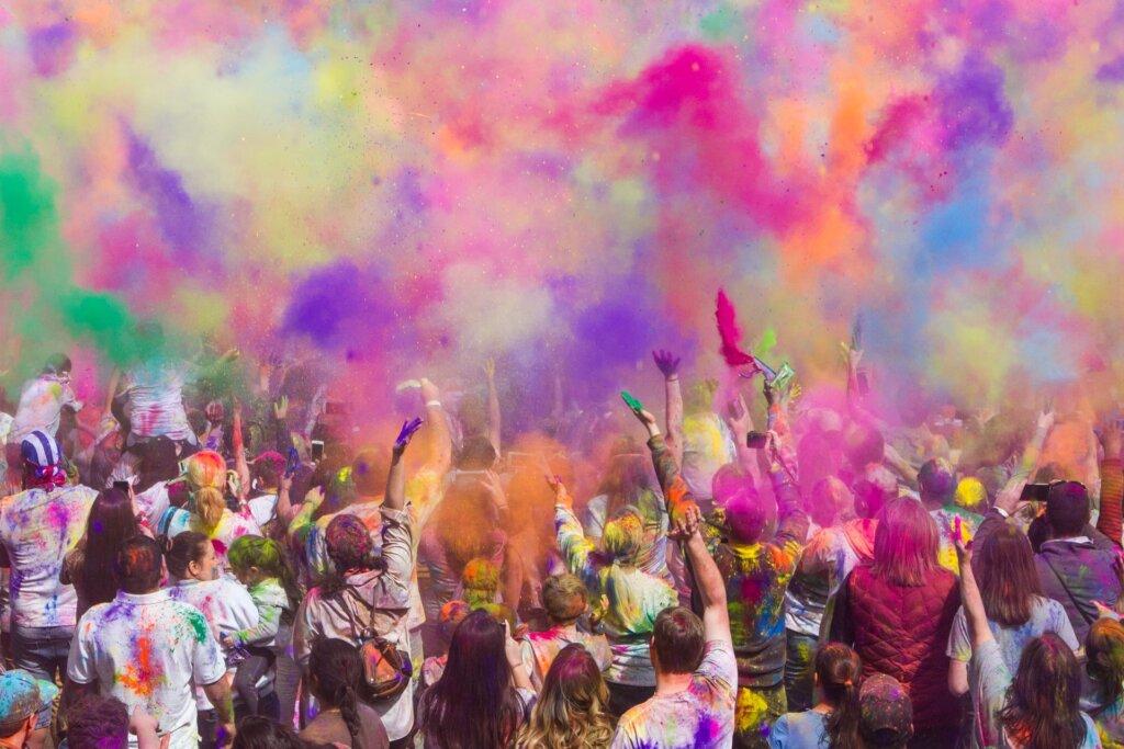 Holi Festival in … Spanish Fork, USA © John Thomas Unsplash