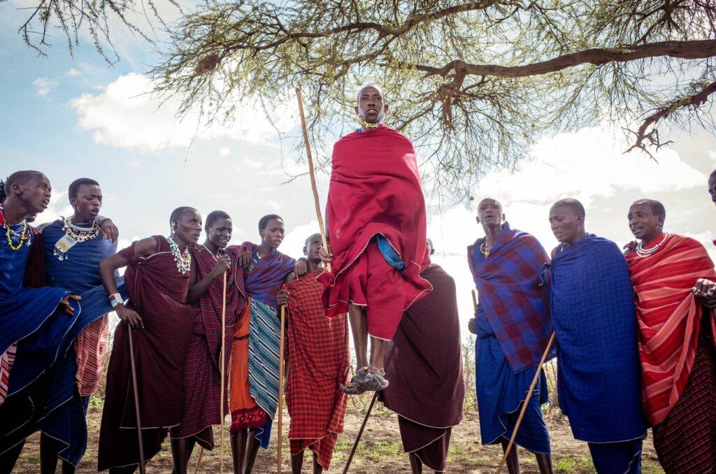 Masai dance in Tanzania © Ramon Sanchez Orense Unsplash